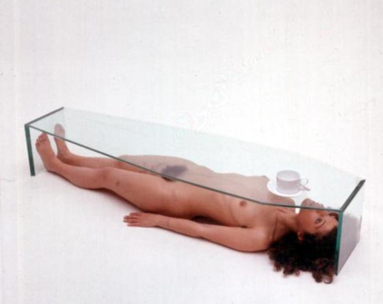 Tavolino bara, 1975