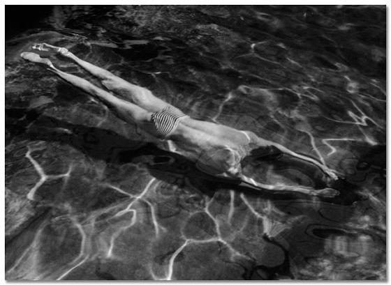 kertesz-1917+Underwater+Swimmer,+Esztergom.jpg